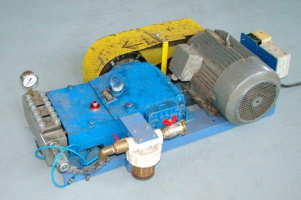 Testovací zařízení pro tlakové zkoušky do 1000 bar